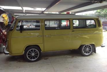 1974 volkswagen kombi mr930 shannons club for Garage volkswagen 94 creteil