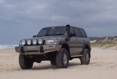 1998-nissan-patrol-st-4x4.jpg