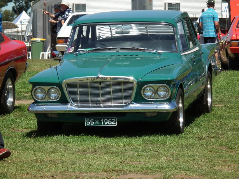 1962 Chrysler Valiant SV1