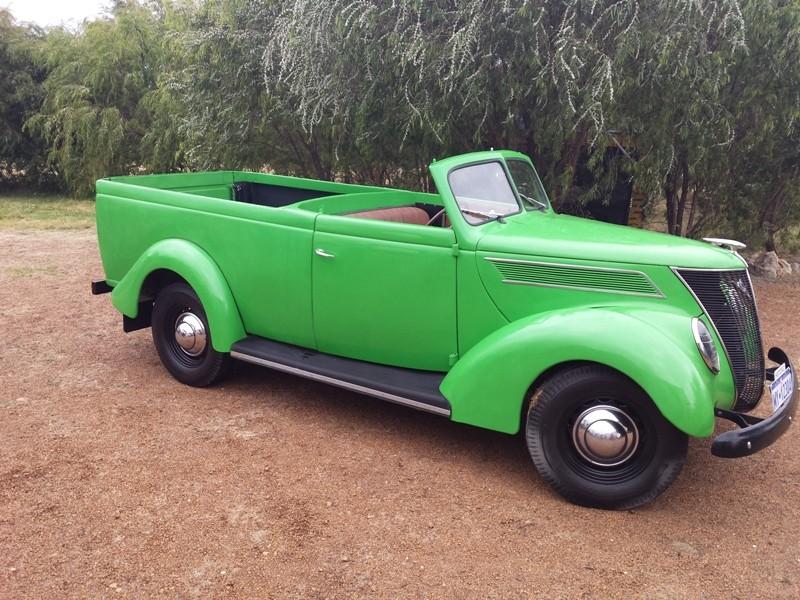 1937 Ford Roadster ute