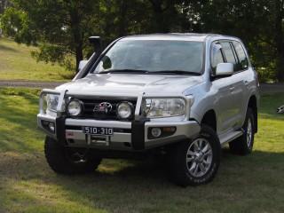 2011 Toyota LANDCRUISER (4x4)