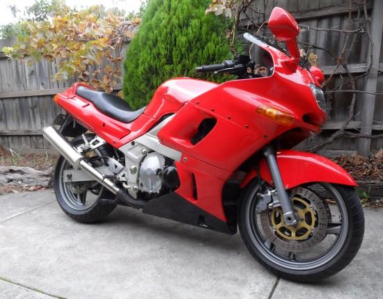 1995 Kawasaki ZZR 600 - Peten - Shannons Club