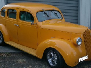 1937 Plymouth D9