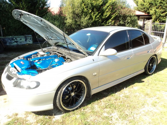 2002 holden vx commodore ss bigmik shannons club for Max garage calais