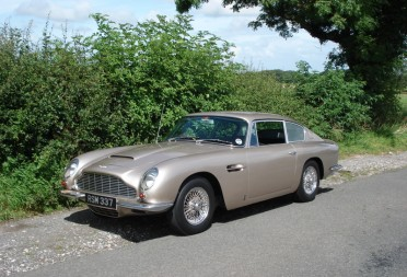 1969 Aston Martin DB6 