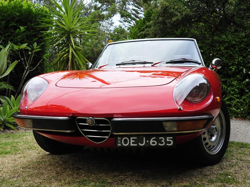 1975 Alfa Romeo SPIDER 2000
