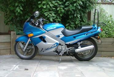 2001 Kawasaki ZZR-250 - ONeSiCkCLoWn - Shannons Club