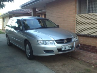 2006 Holden COMMODORE EXECUTIVE