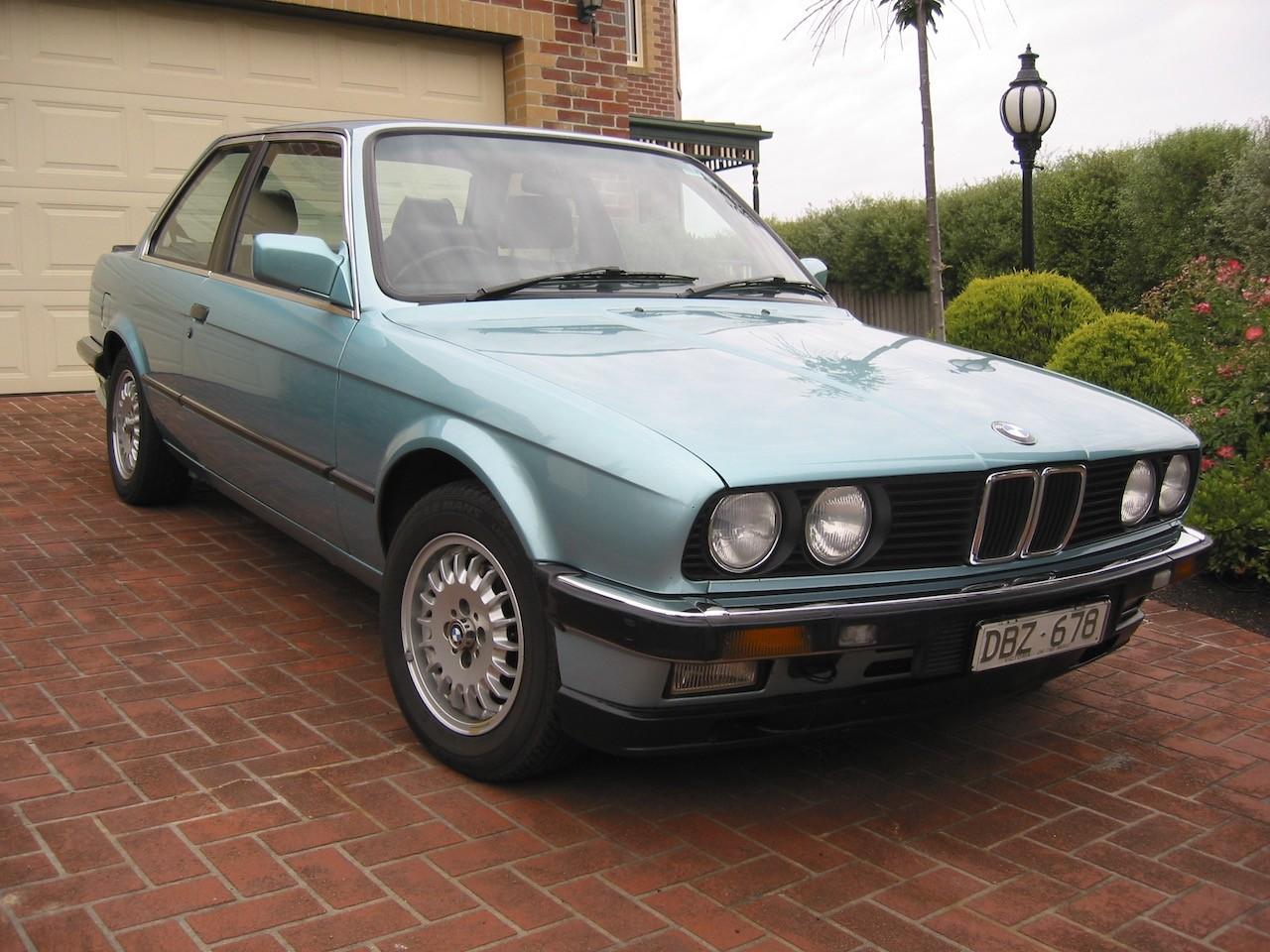 1991 BMW E30 323i
