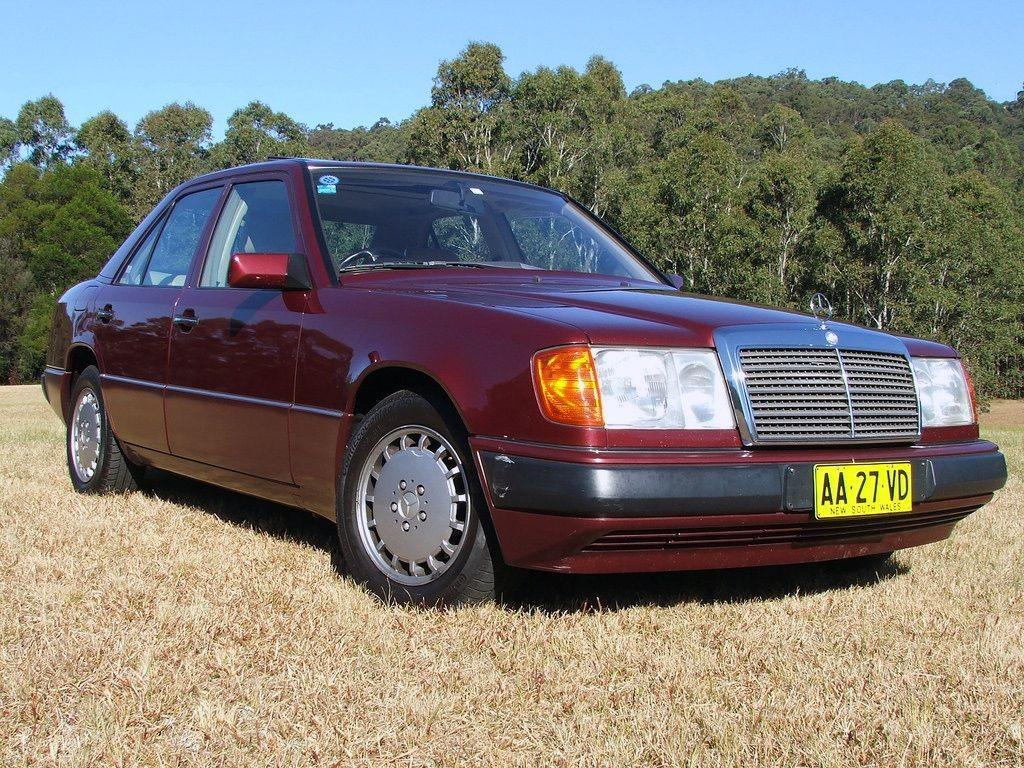1992 Mercedes-Benz 300 E 24V