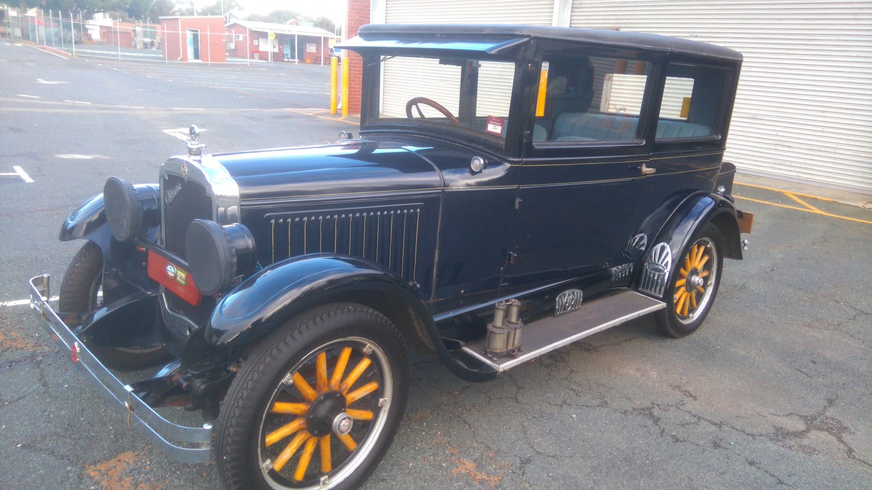 1925 Oldsmobile Coach