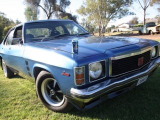 1974 Holden HJ MONARO 4 DOOR