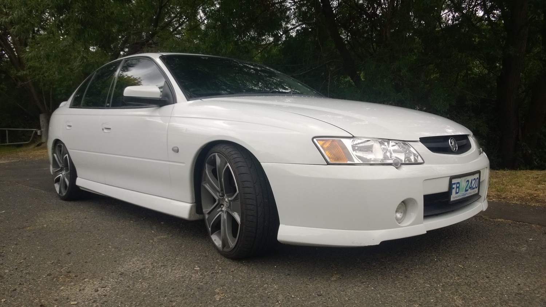2003 Holden COMMODORE