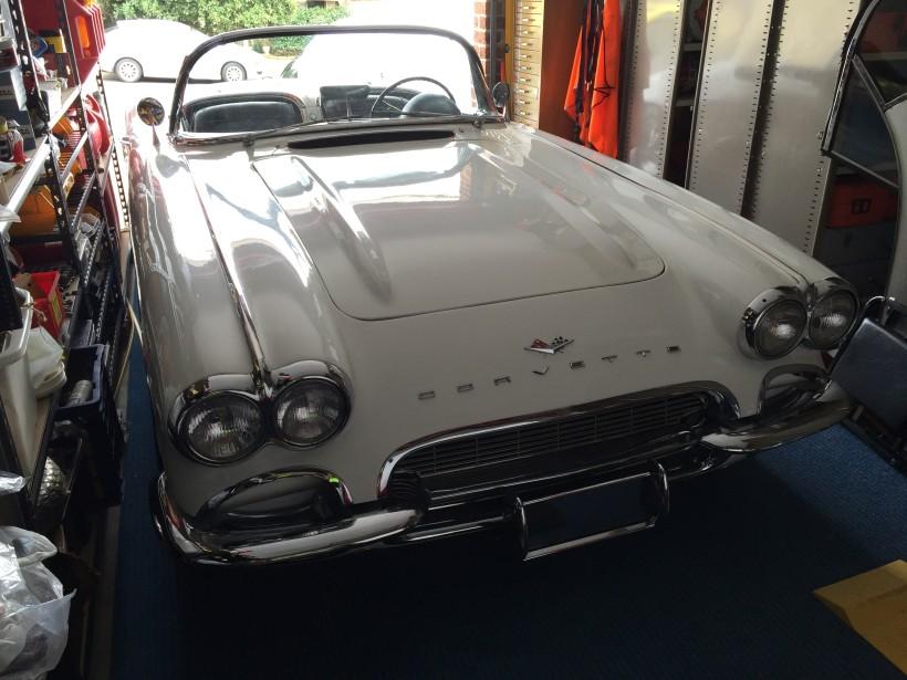 1961 Chevrolet CORVETTE STINGRAY