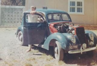 1937 Ford V8 Standard (Flat back)