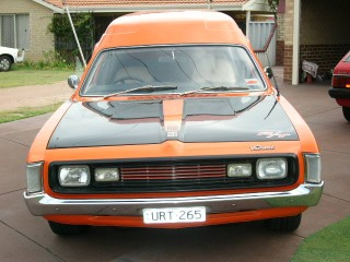 1977 Chrysler Valiant CL Van with 72 VH R/T front clip