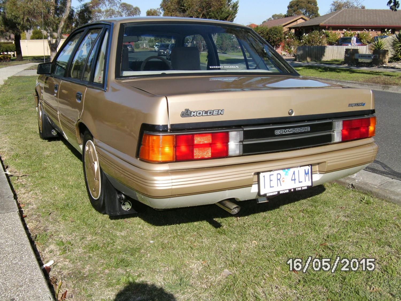 1988 Holden VL SERIES 200