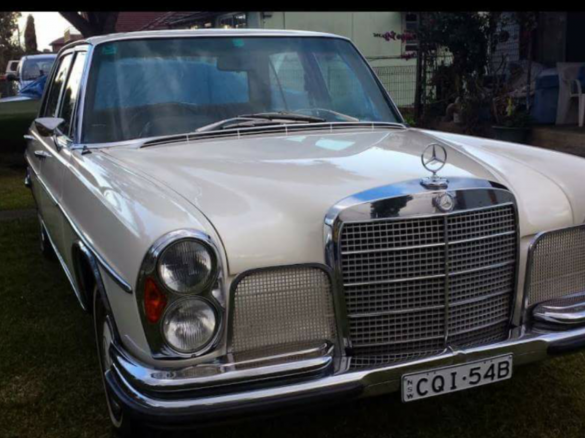 1971 mercedes benz 300sel duosmash shannons club for Mercedes garage 93