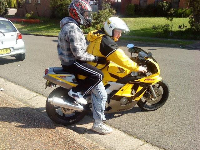 2001 Honda Erian CBR 929