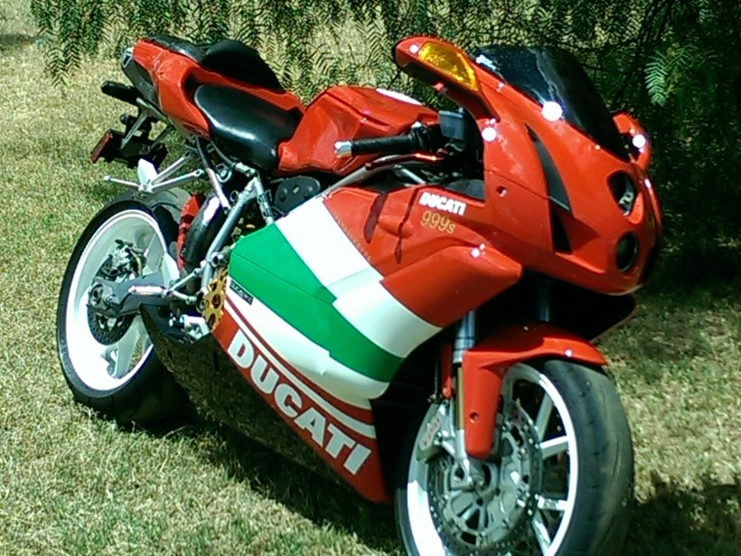 2004 Ducati 999 sports