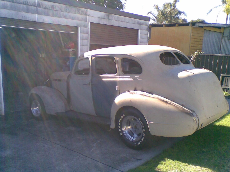 1937 Pontiac Silver Streak 8