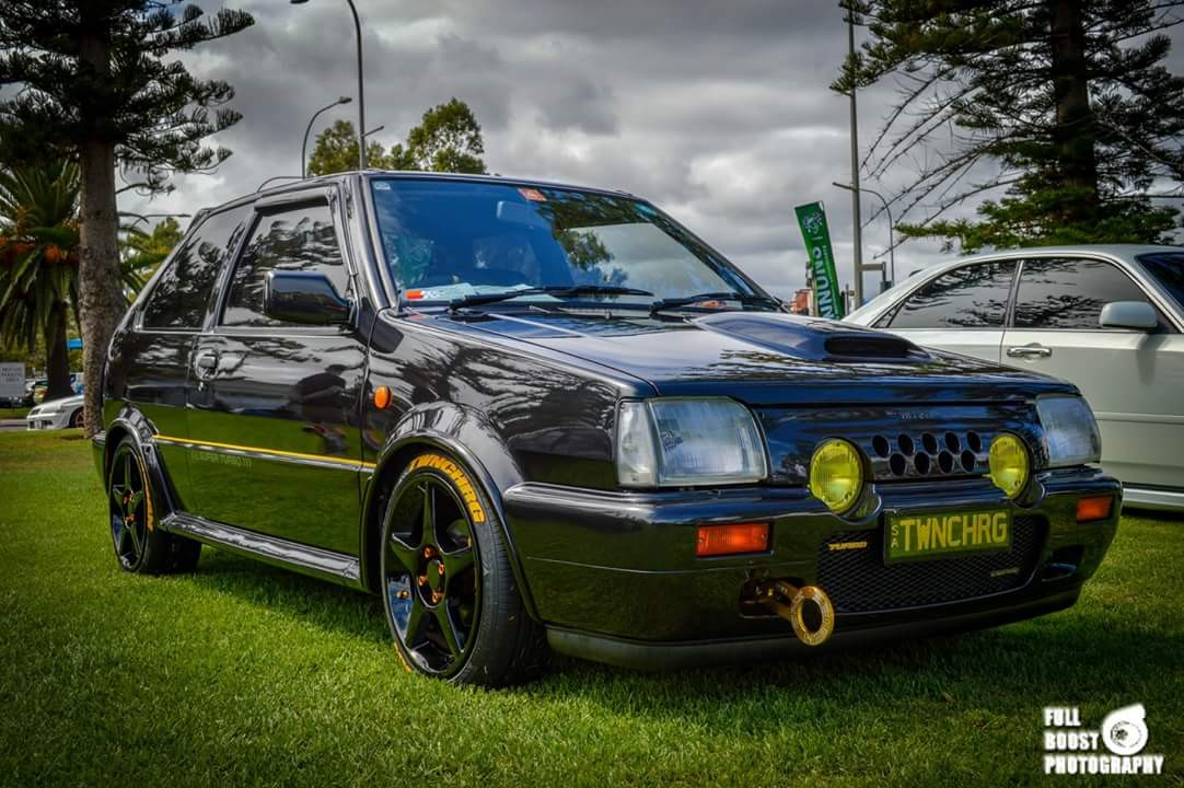1989 Nissan Super Turbo