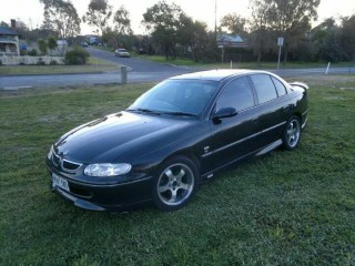 1999 Holden COMMODORE