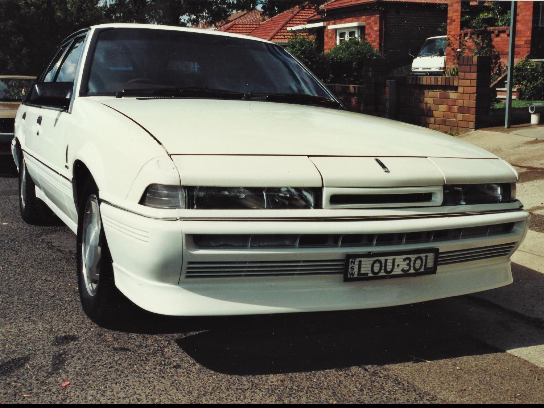1988 Holden Commodore VL Calais