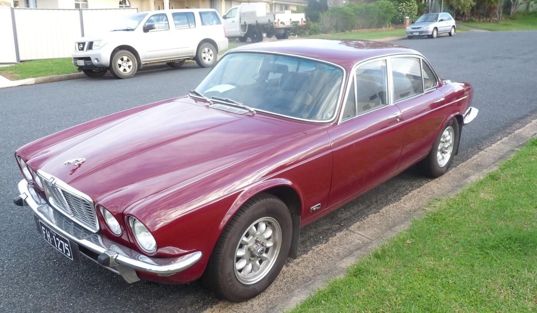 1972 Jaguar XJ6 - Bonza01 - Shannons Club
