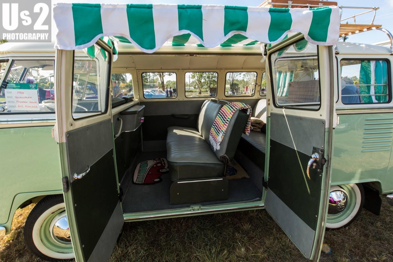 1964 Volkswagen 13 Window Deluxe Kombi