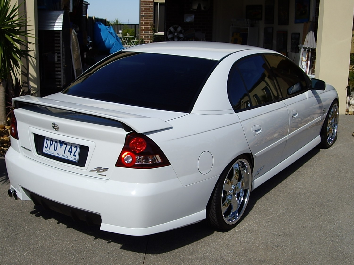 2004 Holden Vy Ss Series 2 Commodore Adrian01 Shannons