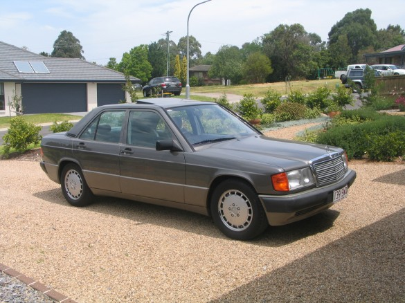 1990 mercedes benz w201 190e 2 6 benzie shannons club for Mercedes benz sydney service