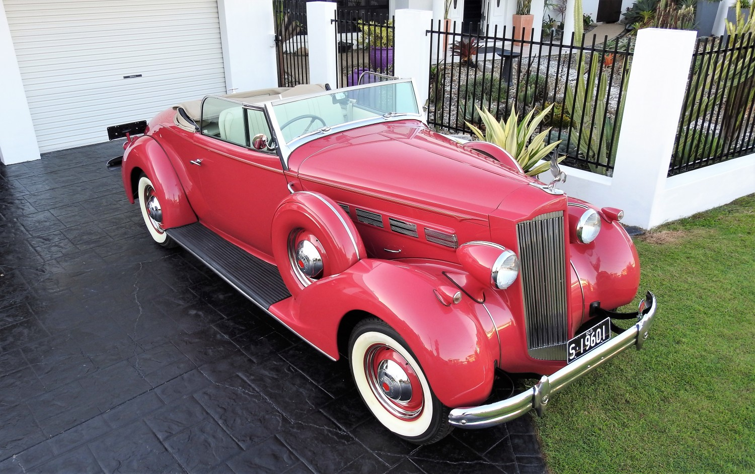 1937 Packard 120 - Billydriving - Shannons Club