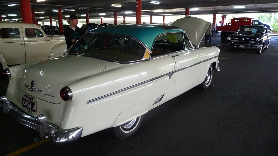 1954 Ford Crestline Skyliner
