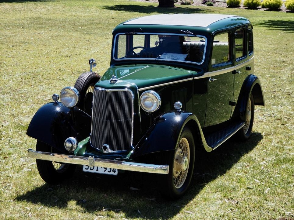 1934 Armstrong Siddeley 12HP Ruskin-bodied Saloon