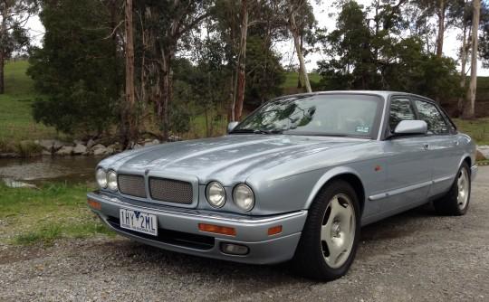 1995 Jaguar XJR 4.0 SUPERCHARGED      ( X300 )