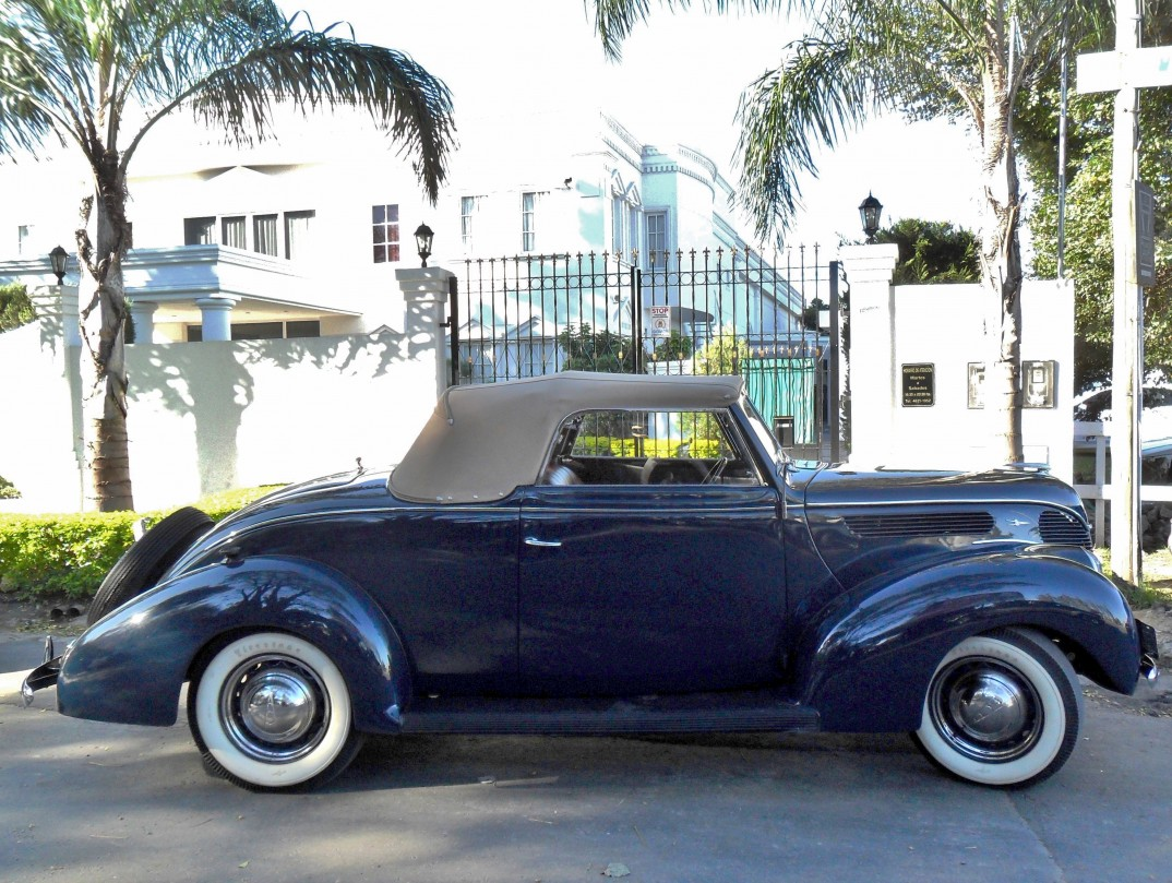 1938 Ford Cabriolet