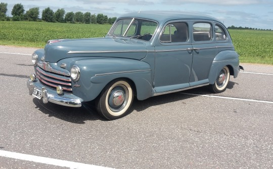 Ford  1946 Super Deluxe