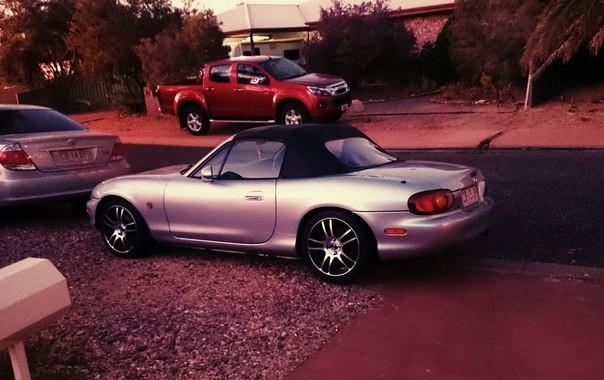 1999 Mazda MX-5 ANNIVERSARY EDITION