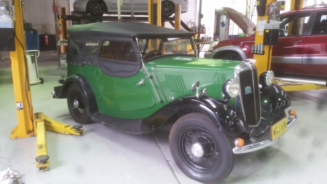 1937 Morris 8-40