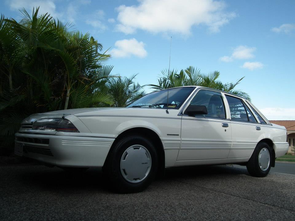 1986 Holden COMMODORE EXECUTIVE