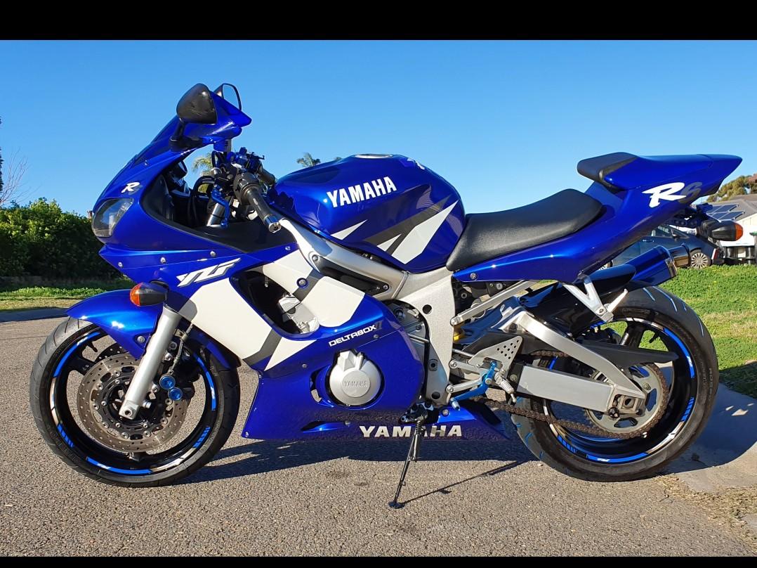 2002 Yamaha 599cc YZF-R6