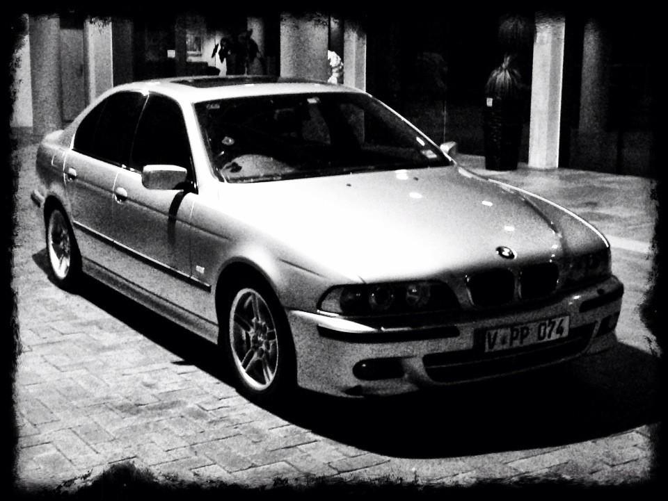 2001 BMW 540i SPORT