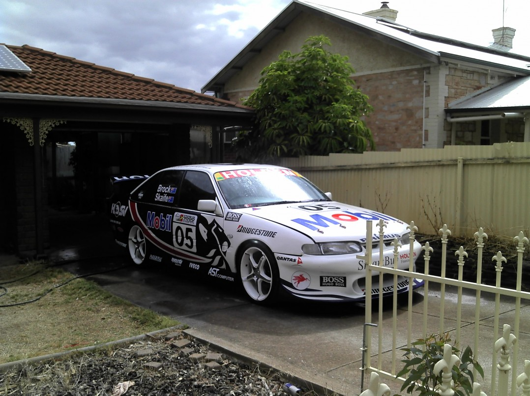 1997 Holden RACING TEAM VS COMMODORE RACE CAR