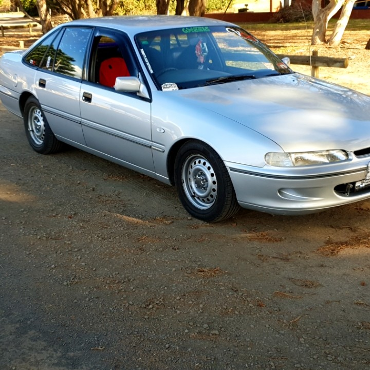 1997 Holden commodore Vs calias