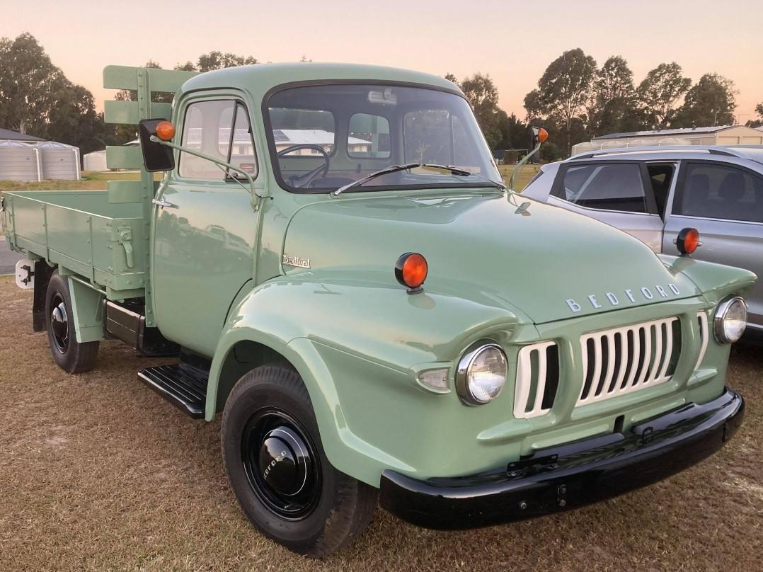 1966 Bedford J1