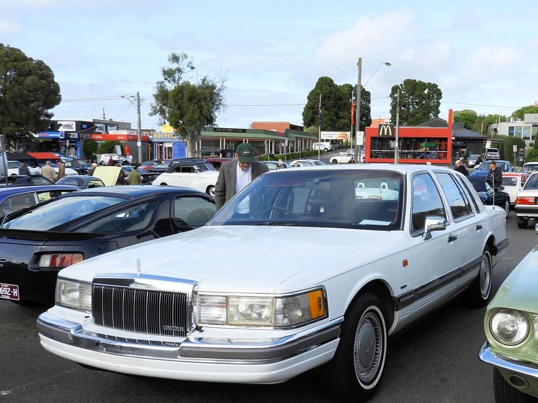 1990 Lincoln towncar