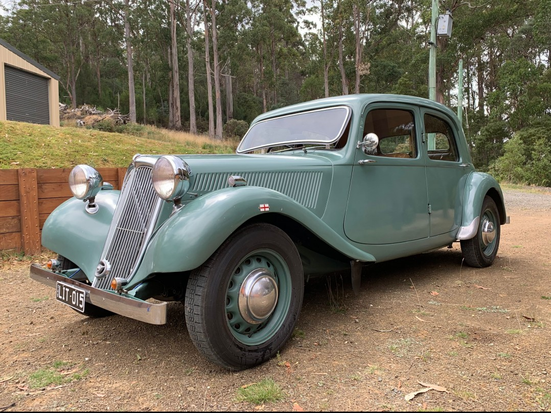 1949 Citroen Traction (Light 15)