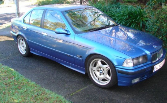 1991 BMW 320i