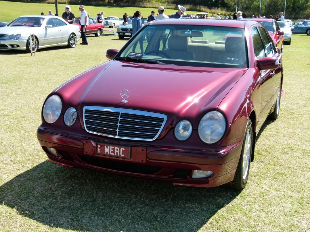 2000 Mercedes-Benz E240 CLASSIC - W210